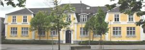 den gamle gule skole